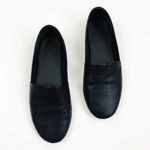 VINCE Black Bogart Slip On Loafer Flats Animal